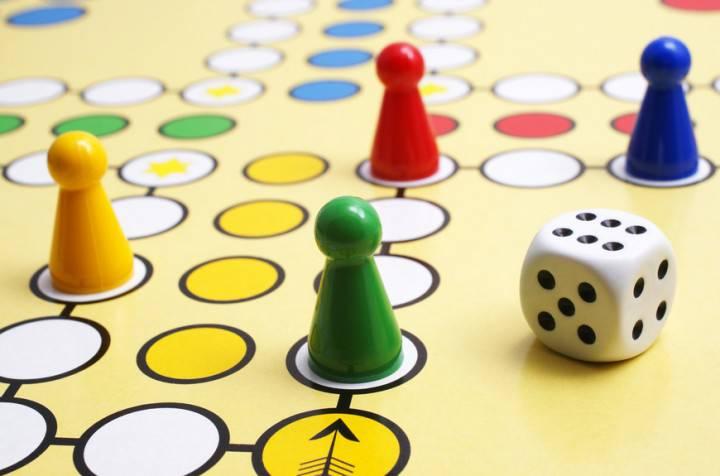 Würfelspiel - Gesellschaftsspiel - Parlour Game